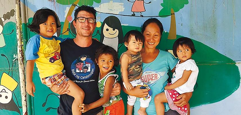 Fra e Flo, genitori in missione Cover image