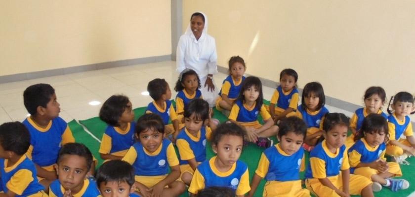Un asilo a Timor Ovest Cover image