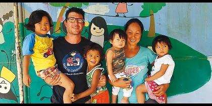 Fra e Flo, genitori in missione List item image