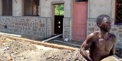Malawi, una suora tra i tetti List item image